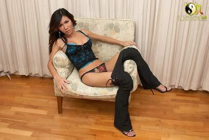 Sexy Sindy is wearing hot panties